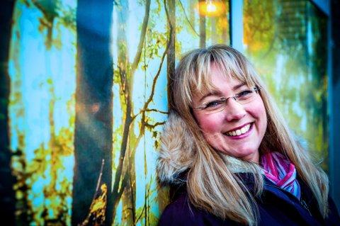 Natur i verdensklasse. Ann Heidi Hansen (45) har forsket på naturbaserte turistopplevelser i nord. Hun forteller at vi har natur i verdensklasse, og at utfordringen nå er å foredle råvarene våre slik at opplevelsene også blir i verdensklasse. Foto: Christine Karijord
