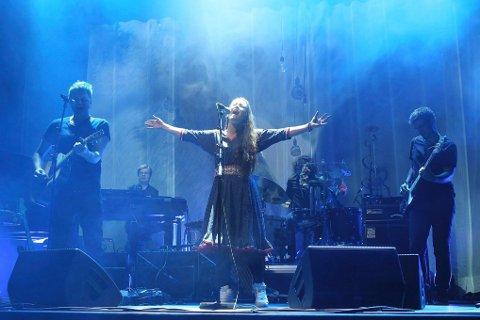 Elle Marja Eira avsluttet den spennende konsertforestillingen med vakker jazzjoik.