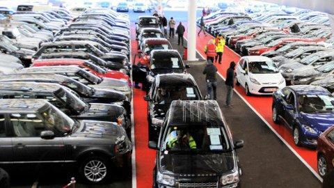 Dieselbilene har blitt vesentlig tyngre å selge de siste par årene. Det gjenspeiler seg også i bruktmarkedet. Bare i Tyskland står det nå 300.000 brukte dieselbiler på lager.