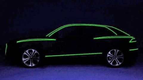 Slik teaser Audi sin kommende Q8, den digre SUV-en er ikke veldig langt unna.