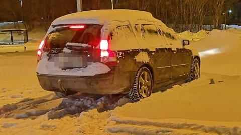 Hit, men ikke lenger. Politiet stanset bilen som så ut som den kom rett fra en snøfonn. Foto: Politiet.