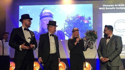 Fra venstre: Espen Gryt (eier, styreleder og grunnlegger av Elvebredden Catering), Øyvind Frich (leder av innkjøpsutvalget i NHO Reiseliv Innkjøpskjeden), Marianne Gotaas (daglig leder i Elvebredden Catering) og Javvad Latif (salgs- og markedssjef i NHO Reiseliv). Foto: NHO Reiseliv