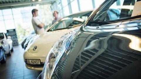 Du skal vite hva du gjør når du kjøper bruktimportert elbil. Her er det viktig å sette seg inn i eventuelle forskjeller fra biler som er solgt nye i Norge. Foto: NAF.