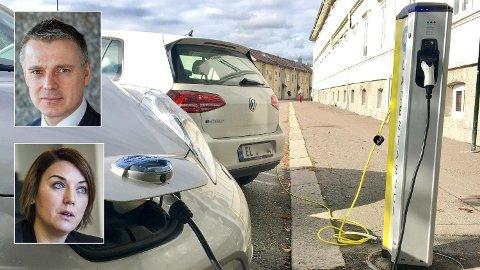 Prisinsentiver må til for å sikre elbil-lading når det er god kapasitet i strømnettet, mener NVE-direktør Kjetil Lund. Det trengs ikke, siden elbilistene allerede lader om natten, mener Christina Bu, generalsektrær i Elbilforeningen. Foto: NTB Scanpix / NVE