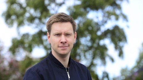 Nysgjerrig, omgjengelig og utålmodig. Slik beskriver han seg selv, 29-åringen fra Reine i Lofoten. Fra august av blir Markus Jensen nyhetsredaktør i Avisa Nordland, i tospann med Vibeke Madsen.