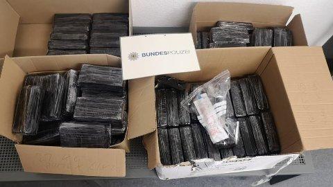 Ifølge Nrz.de var heroinet gjemt i ulike hulrom, foran og i sidepanelene i bilen Foto: Tysk politi