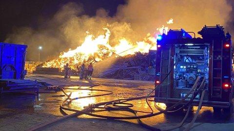 TILTALT: Noen timer etter at brannen startet på Langstranda, ble den nå tiltalte mannen pågrepet i nærheten av brannstedet.