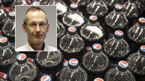 – Ikke farlig: Ernæringsprofessor Jøran Hjelmesæth mener voksne fint kan drikke 4-5 liter lettbrus om dagen. Foto: Scanpix/Sykehuset i Vestfold