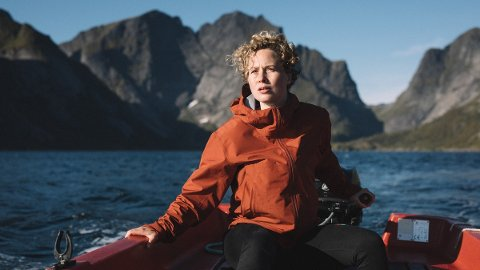 """Rebekka Nystabakk fra Sørfold får stjerneskryt fra amerikansk tv-kritiker. Her i rollen som Ingrid i tv-serien """"Twin""""."""