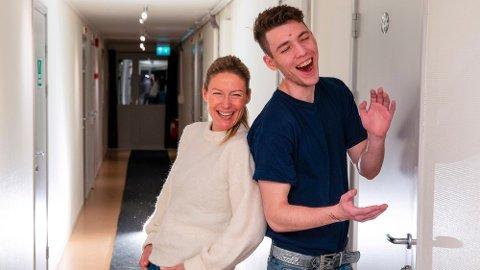 Programleder Helene Sandvig og Nikolai som vi møter i episode 2.