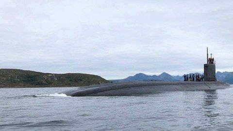 USS «Seawolf» er USAs dyreste ubåt - laget for å jakte russiske ubåter med atommissiler. I år ankom den Norge for å bidra i jakten på Russlands nye våpen. Bildet er tatt av USS «Seawolf» i Norge. Foto: (U.S. Navy courtesy photo)
