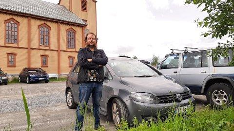 Aleksander Skaugvoll er ikke fornøyd med behandlingen han og broren fikk da de hadde bilen på service hos Sulland Bodø på sistnevntes Golf.