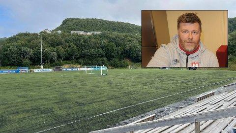 Mjølner-leder Kenneth Claeson slakter kunstgresset i Stordalen