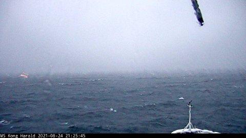 KAMERA OMBORD: Bildet ble tatt fra et kamera om bord på MS Kong Harald kamera som oppdateres regelmessig. Foto: Hurtigruten