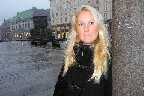 Thea Lunde Kristiansen (25) er en av 3000 norske kvinner som opplever å få celleforandringer på livmorhalsen på grunn av HPV-virus. Hun vil nå ta HPV-vaksinen.