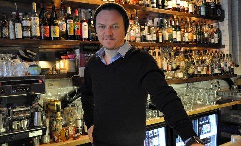 – Ironisk nok bestiller jeg sjelden whisky selv når jeg selv skal ut og kose meg med drikke, forteller eieren av whiskybaren The Tasting Room, Frode Harring. Han arrangerer whiskyfestival på Scandic Hotel i helgen.