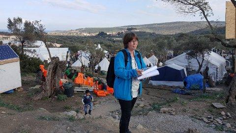Monika og datteren Ragnhild Yndestad har reist til Lesvos for å hjelpe båtflyktninger.