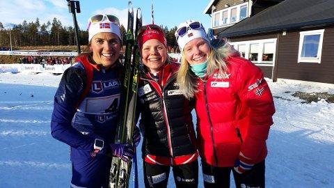 Hordaland SSK med f.v. Jori Mørkve, Hilde Fenne og Ragnhild Femsteinevik gikk av med seieren i stafetten for kvinner under NM i skiskyting på Dombås torsdag.