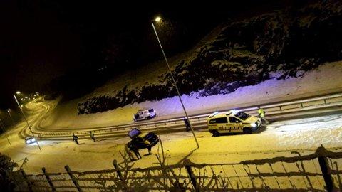 Ingen personer ble skadet da denne bilen havnet utfor veien på Flatøy i Meland i 23-tiden mandag.
