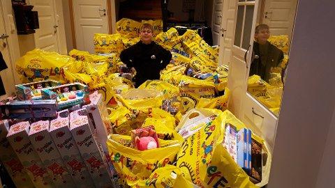 Sander Håpoldøy, også kalt «Julegavebakeren», har i år samlet inn penger til rekordmange gaver.