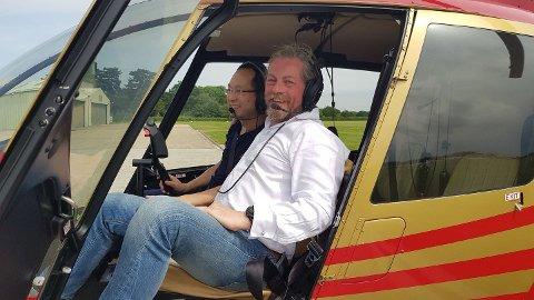 David Tang er tilbake i et helikopter, sammen med Quentin Smith. De to tok seg en flytur over London etter at Tang ble skrevet ut fra sykehuset.