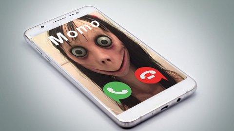 Momo er en dukkeaktig figur som opprinnelig ble laget av et japansk spesialeffekt-selskap.