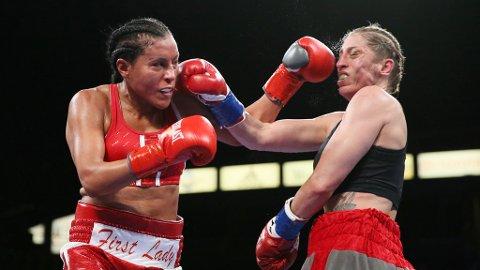 Cecilia Brækhus var aldri truet under kampen i Los Angeles. Foto: Danny Moloshok (NTB scanpix)