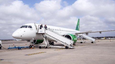 Widerøe skal bruke sine nye Embraer-fly mellom Bergen og Liverpool. FOTO: MARIE SKARPAAS KARLSEN