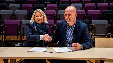 Mandag signerte Kommunal- og moderniseringsminister Monica Mæland og kommunaldirektør Tommy Johansen, byrådsavdeling for sosial, bolig og inkludering,  avtalen om områdesatsing i utsatte byområder i Bergen.