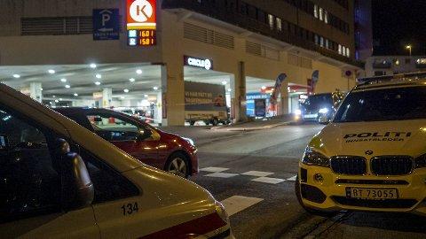 Said Bassam Chataya (28) døde av knivstikkene han ble påført. Mandag fremstilles tre menn for fengsling i Bergen tingrett.