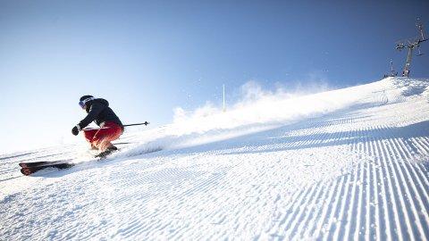 Slalåm: Det kan bli muligheter for å stå på ski i bakken helt til påske, tror skianleggene. Foto: Guro Pålgardhaugen, Ski Geilo.