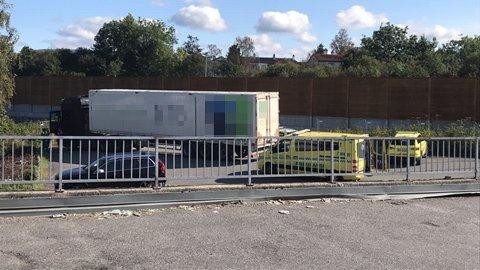 Både helsepersonell og politiet rykket ut til stedet hvor vogntoget sto parkert.