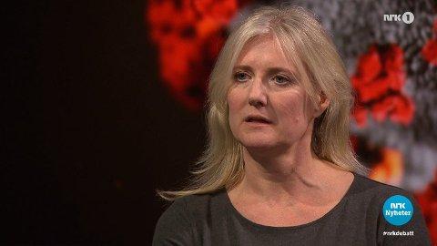 Lege og forsker Gunhild Alvik Nyborg med klar tale på Debatten på NRK: – Vi har ingen kontroll, det er ingenting som tilsier at kurven vil flate ut. Foto: NRK