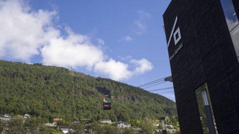 Gondolbanen på Voss har kjørt hver dag siden 20. juni. Nå er de spent på høsten.