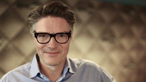Programleder Shaun Henrik Matheson i NRK P13 sparte ikke på kruttet over sine meninger om Israel. Foto: NRK