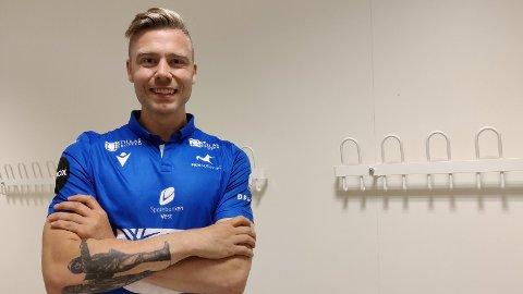 GLAD FOR Å VÆRE TILBAKE: - Jeg får helt frysninger av å være tilbake, sier Alexander Søderlund til fkh.no etter å ha skrevet under for FKH.