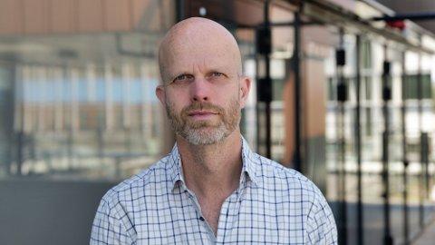 KRTISK: Siviløkonom Hallgeir Kvadsheim, som driver Pengeverkstedet.no og er kjent fra «Luksusfellen», er kritisk til høye formidlingshonorar/plattformavgift på indeksfond. Foto: Alexander Winger (Nettavisen)