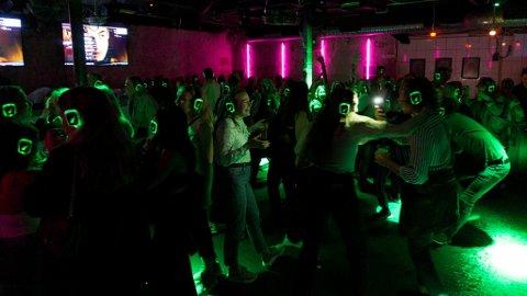 Det var folksomt på dansegolvet da «silent disco» endelig var tilbake på Vaskeriet.