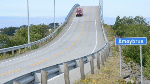 Trafikksikring: Rekkverk på Åmøybrua nærmer seg siden Stavanger kommune nylig er tildet 1,5 millioner kroner til blant annet Åmøy av fylkets samferdselsutvalg. Samme beløp er prioritert til dette i fylkets langtidsplan for fylkesveier.