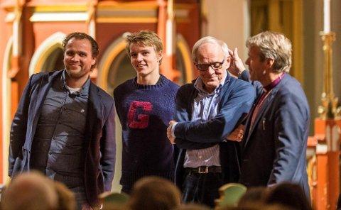 FORBILDER: Hans Erik Ødegaard, Martin Ødegaard og Bjørn Ove Ødegaard ga biskop Per Arne Dahl tips til hvordan han skaper god lagånd i bispedømmet.