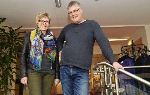 Trenger flere medarbeidere: Avtroppende direktør Ann Helene Arnestad og styreleder Gunnar Paulson ved Vikersund Kurbad, er svært fornøyd med den nye avtalen kurbadet har fått med Helse Sør-Øst.