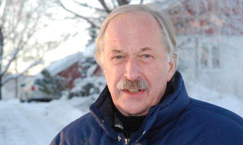 Skeptisk: Johan Kaggestad er skeptisk til at det ikke skjer noe «ekstra» i Modum når det er skiflyging.Arkivfoto