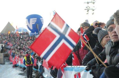 FOLKEFEST: SKiflygingspresident Stig Hamstad håper på folkefest i Vikersund hoppsenter under verdenscupen om halvannen uke. Arkivfoto
