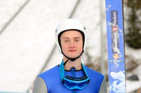 SKIFLYGER: Knut Jokerud Strand fra Vikersund IF blir skiflyger, når han er en av 24 prøvehoppere under verdenscupen neste helg. Arkivfoto