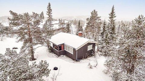 40 KVADRATMETER: Hytta koster 3,7 millioner og ligger rett ved hotellet på Bøseter, men den har ikke strøm, vann og kloakk.