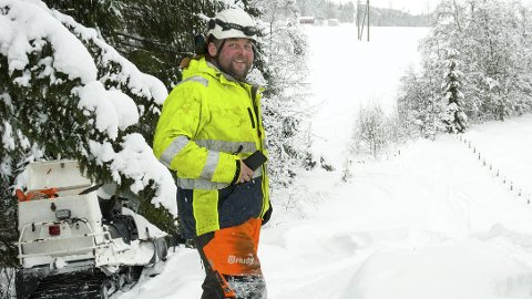 GIR LYS I LAMPA: Per-Arne Nes hevder at han er glad i vinter.