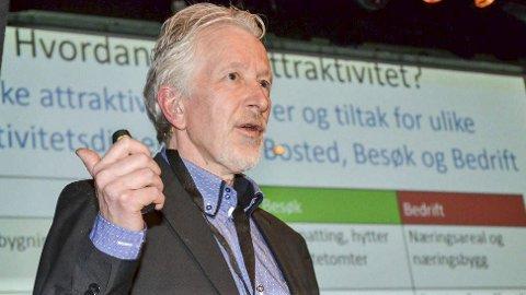 Må være beredt: – To tommelfingerregler for å oppnå suksess med sentrumsutvikling, er samarbeid og evnen til å reagere raskt på muligheter som byr seg, sier Telemarksforsknings seniorforsker Knut Vareide.