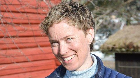 SKOLE: Kristine Nore (V), vil ha to skoler i Krødsherad. Hun sier det vil være krise om et av tettstedene mister skolen sin.