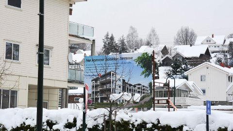 SKRINLAGT: Solsiden Terrasse er skrinlagt. I stedet planlegger Eie og Varp hver sine leilighetsbygg mellom Ekengården og Enger skole.