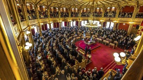 ÅPNING: Kongen er alltid til stede ved Stortingets åpning, og leser regjeringens trontale. Det er en høytidelig og fin seanse. Det er den eneste gangen i løpet av året at Kongen gjester nasjonalforsamlingen.